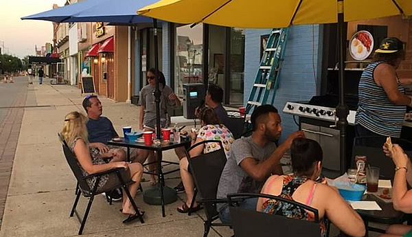 outside dining in Downtown Vineland New Jersey