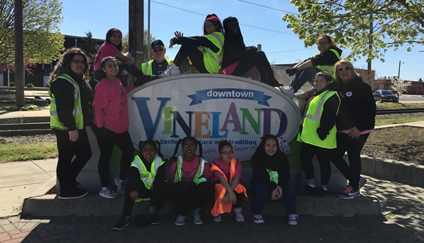 youth volunteers with Downtown Vineland NJ